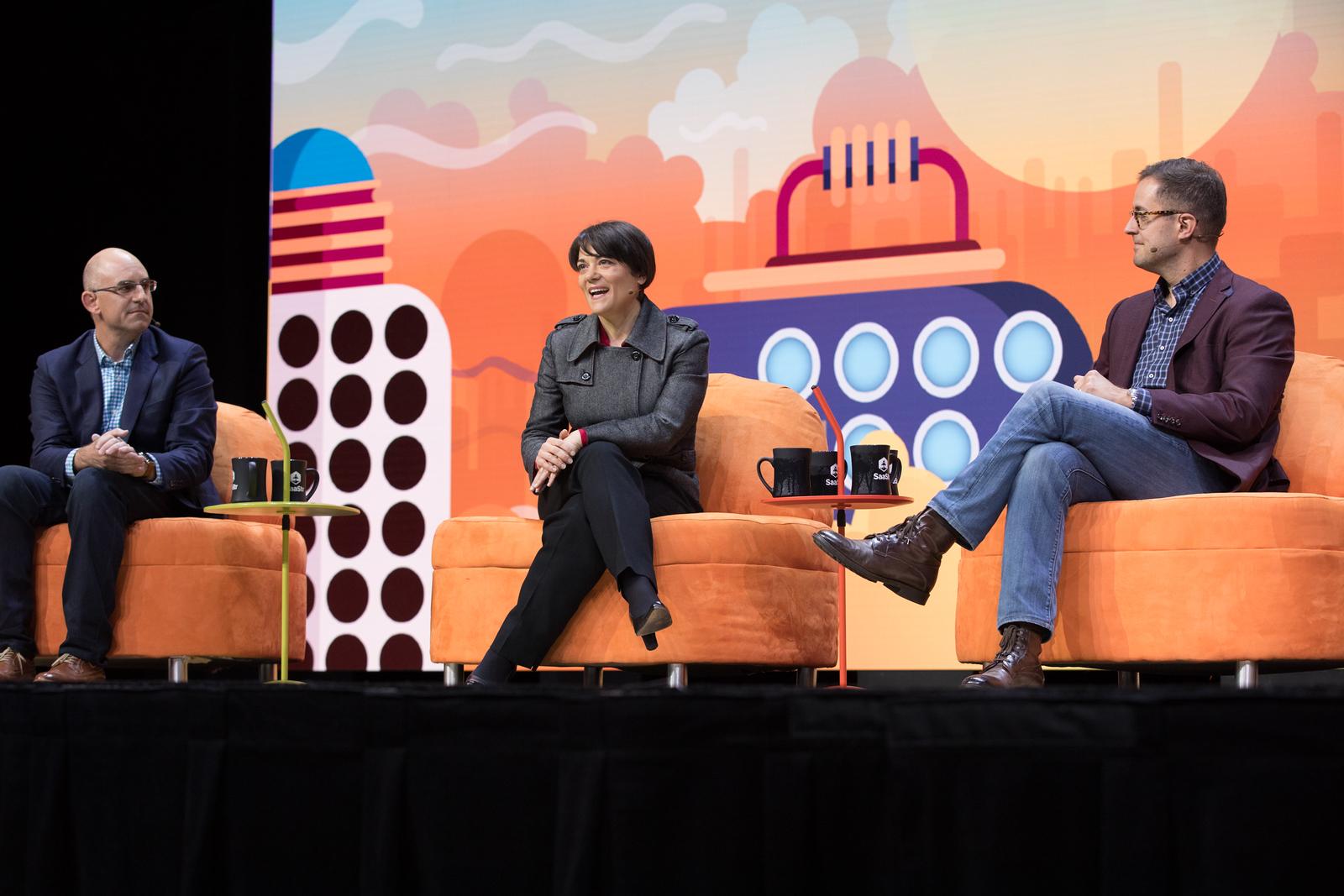 Top 5 Things That Change at $50m ARR Tien Tzuo FOUNDER & CEO / ZUORA  Aaron Skonnard CEO / PLURALSIGHT Scott Dorsey MANAGING PARTNER / HIGH ALPHA  Nitsa Zuppas CHIEF MARKETING OFFICER / VEEVA SYSTEMS