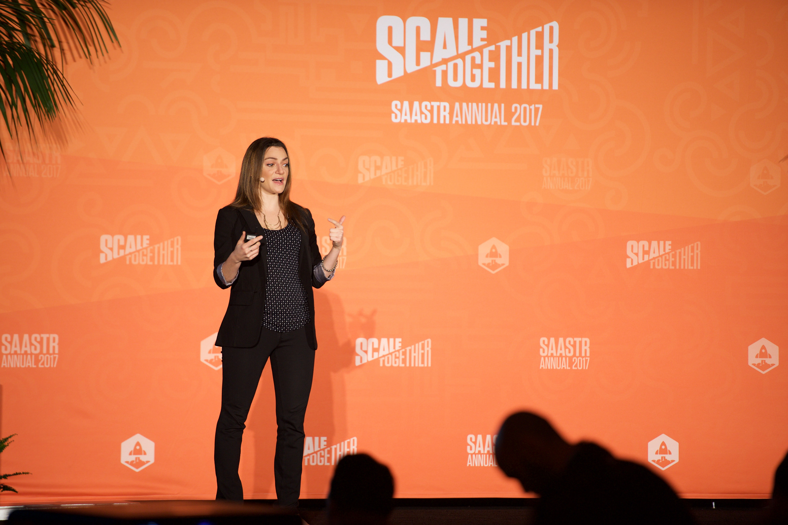 How to Market to Customers Small, Medium, Large and Extra-Large: All at the Same Time from the Same Budget  Lauren Vaccarello VP MARKETING / BOX