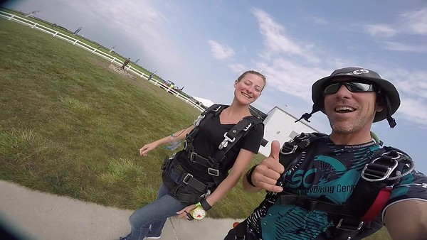 1621 Melissa Zilch Skydive at Chicagoland Skydiving Center 20170902 Brad Brad