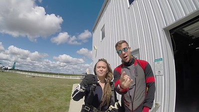 1342 Tori Bartholomew Skydive at Chicagoland Skydiving Center 20170906 cody Amy