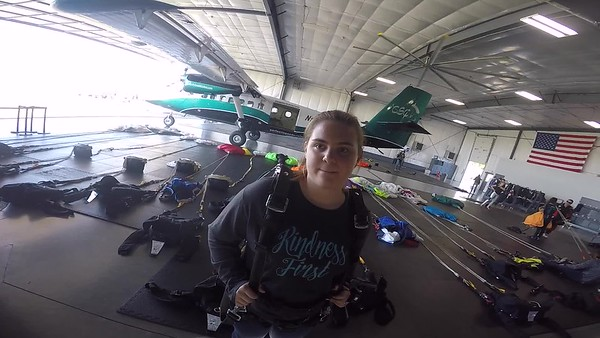 1736 Aimee Steichen Skydive at Chicagoland Skydiving Center 20170928 Cody Cody