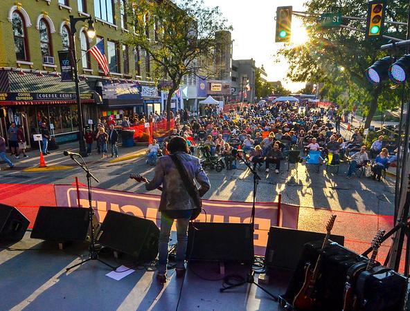 MET 090817 Bluesfest crowd