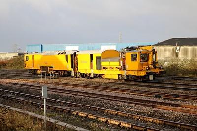 DR80211 0943/6u31 Cardiff Canton-Coleham passes Cardiff Splott Jct    29/12/17