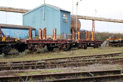 iu SB133/360288 & SB114/360978 seen at Cardiff Celsa     29/12/17