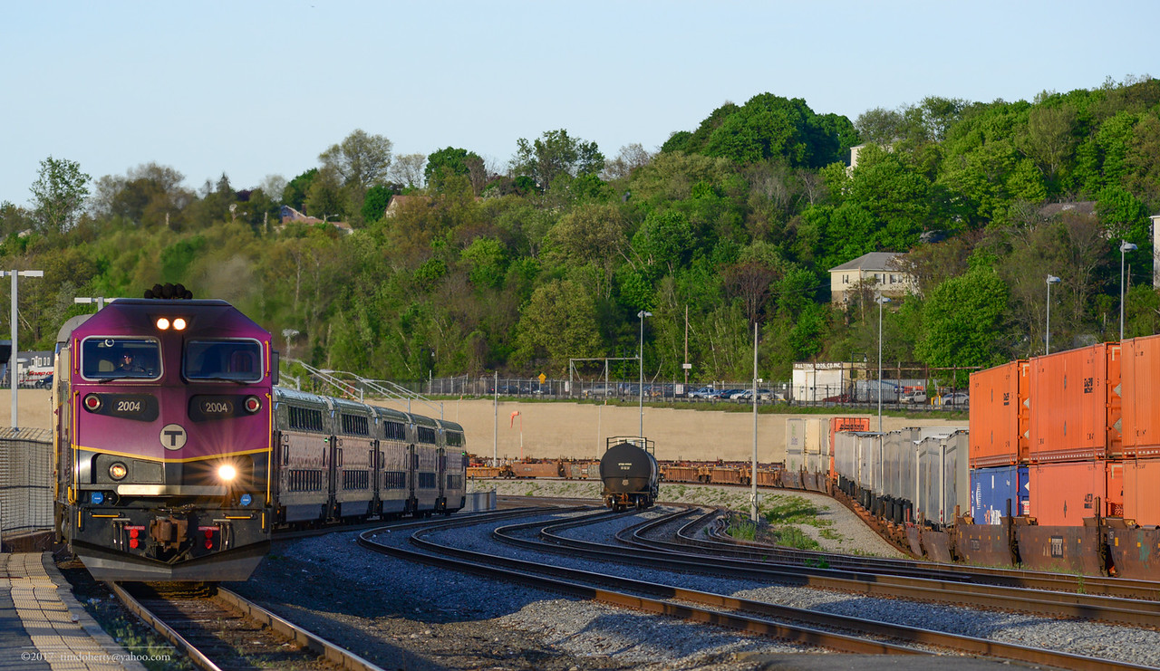 MBTA 2004 brings train 523 into Worcester on May 16, 2017.