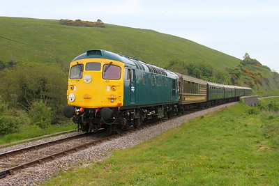 26043 Corfe Castle 06/05/17 2N16 Swanage to Norden