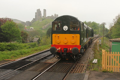 20059 Corfe Castle 06/05/17 running onto the rear of 2N27 Norden to Swanage