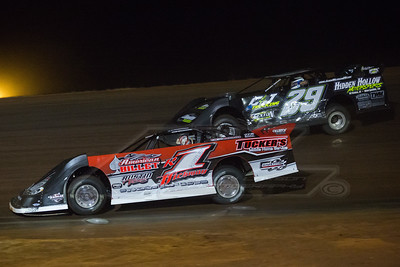 Riley Hickman (R1) and Jason Welshan (29)