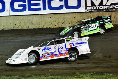 Darrell Lanigan (14) and Jimmy Owens (20)