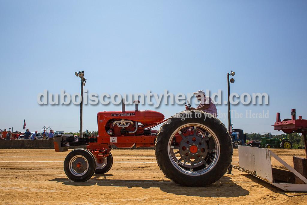 170827_Tractor07_JW.jpg