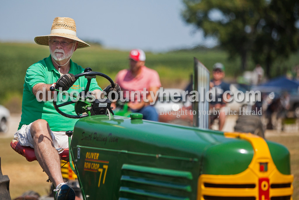 170827_Tractor08_JW.jpg