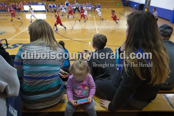 171114_NEDgirlsbasketball09_BL.jpg