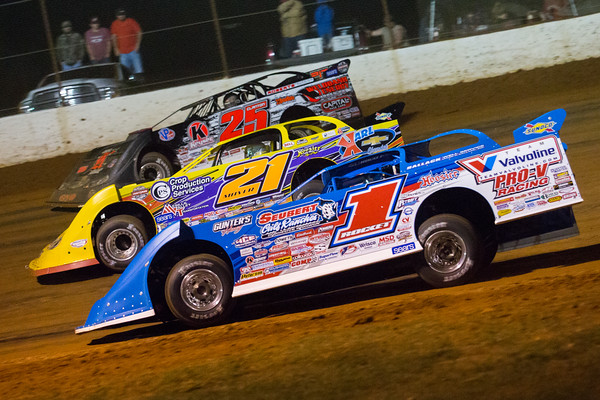 Brandon Sheppard (1), Billy Moyer (21) and Shane Clanton (25)