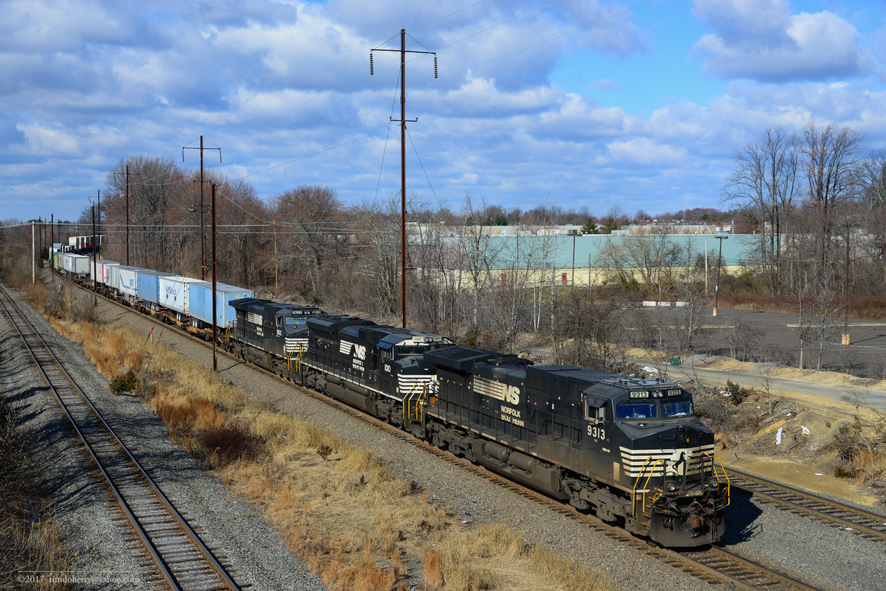 NS 24K arrives at Morrisville Yard.