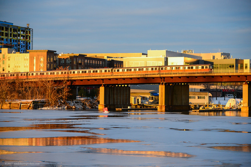 The Orange Line crossing the Mystic River between Assembly Square and Wellington.