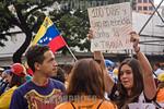 Venezuela : Manifestantes opositores al gobierno de presidente Maduro se concentraron en Chaca�to , al este de Caracas , por los cien d�as continuos de protestas en contra del gobierno / O ...
