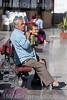 Spanien : Rentner sitzen auf einer Parkbank in Torrox - Pueblo in der Axarquia - Andalusien © Patrick Lüthy/IMAGOpress.com