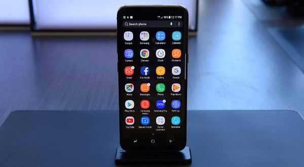 The new Samsung S8 is on display for the press after a new conference in New York on March 29, 2017.<br /> Samsung on Wednesday unveiled its new Galaxy S8 smartphones, incorporating its virtual assistant Bixby, as the market leader seeks to rebound from a chaotic handset recall and a corruption scandal. The two handsets, fitted with screens of 5.8 and 6.2 inches, include Samsung's upgraded digital assistant Bixby, competing in a crowded field that includes Apple's Siri, Google Assistant and Amazon Alexa.  / AFP PHOTO / Timothy A. CLARY        (Photo credit should read TIMOTHY A. CLARY/AFP/Getty Images)