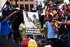 Venezuela : Manifestantes opositores al gobierno de presidente Maduro se concentraron en Chacaíto , al este de Caracas , por los cien días continuos de protestas en contra del gobierno / Opositors demonstrators to the government of president Maduro gathered in Chacaíto , at the east of Caracas , for the one hundred days of protests against the government / Venezuela : Kundgebung der Opposition gegen die Regierung von Präsident Maduro - Plakat mit der Aufschrift # Liberen a Leopoldo © Agustin Garcia/LATINPHOTO.org