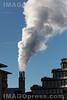 06. 01. 2017 Rauchendes Kamin - Heizkraftwerk Basel - Gundeldingen in Basel © Patrick Lüthy/IMAGOpress.com