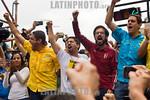 Venezuela : Los diputados Marialbert Barrios , Jos� Manuel Olivares , Freddy Guevara , Miguel Pizarro y Juan Requesens juntos durante una manifestaci�n por los 100 d�as de protestas conti ...