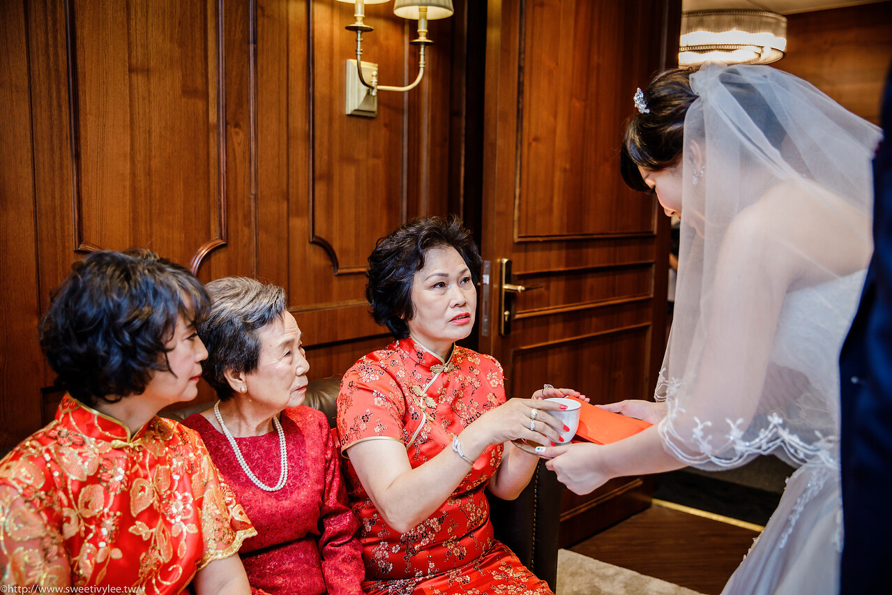 weddingday,weddingphotographer,婚攝Ivy,女攝影師,婚攝,婚禮紀錄,結婚,翡麗詩莊園,教堂證婚,綠蒂廳