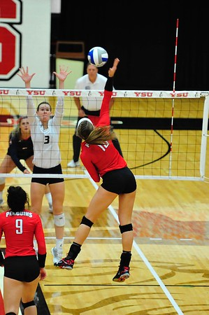 Volleyball vs. UIC - Oct. 21, 2017 (Thompson)