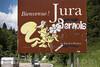 Schild mit dem Schriftzug Bienvenue - Jura Bernois © Patrick Lüthy/IMAGOpress.com