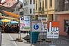Abstimmungsplakate in Moutier - Am 18. Juni 2017 werden die Stimmberechtigten von Moutier über die Kantonszugehörigkeit ihrer Gemeinde abstimmen © Patrick Lüthy/IMAGOpress.com