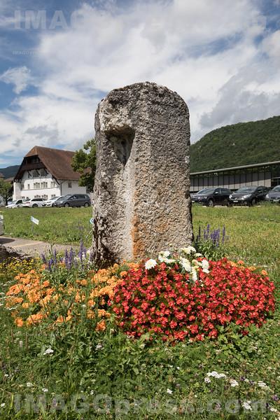 Gemeindeverwaltung Egerkingen - Gedenkstein © Patrick Lüthy/IMAGOpress.com