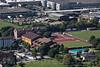 Schulhaus Mühlematt mit Freibad und Industrie in 4622 Egerkingen © Patrick Lüthy/IMAGOpress.com
