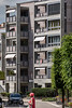 Jurafahne an einem Balkon eines Wohnblocks in 2740 Moutier -  Die Gemeinde Moutier wird am 18. Juni 2017 über ihre Kantonszugehörigkeit abstimmen © Patrick Lüthy/IMAGOpress.com