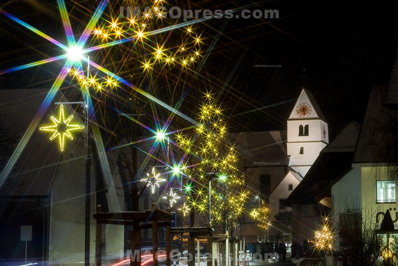 Weihnachtsbeleuchtung in Egerkingen © Patrick Lüthy/IMAGOpress.com