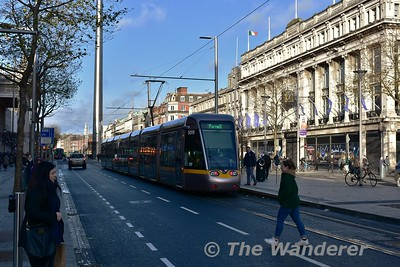 5019 calls at O'Connell-GPO while heading for Parnell. Wed 13.12.17