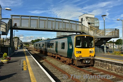 2806 + 2805 at Athenry with the 1745 Galway - Limerick Jct. There were 64 passengers on board this service leaving Athenry. A very healthy load on a 85 seat train. Sat 08.07.17