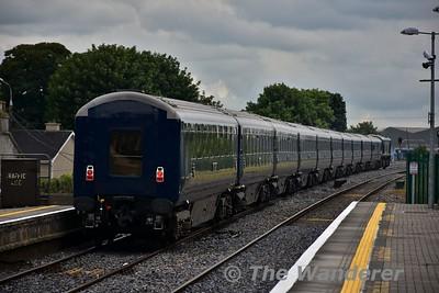 "216 passes through Portlaoise with the 1420 Heuston - Cork ""Belmond Grand Hibernian"". Tues 11.07.17"