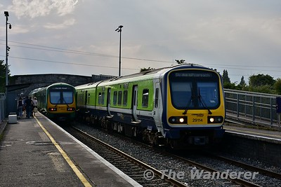 29014 arrives at Broombridge with the 1820 Maynooth - Pearse as 29019 departs for Maynooth. Wed 21.06.17