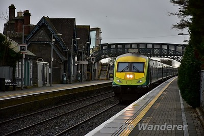 4006 hammers through Portlaoise with the 1020 Cork - Heuston. Tues 14.11.17