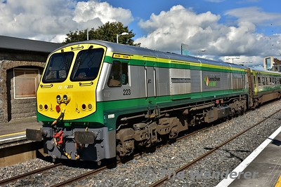 Ex-works 223 at Portlaoise at the rear of the 1220 Cork - Heuston. Thurs 21.09.17