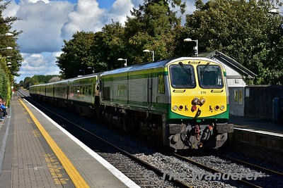 219 arrives into Portlaoise in charge of the 1300 Heuston - Cork. Thurs 21.09.17