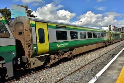 MKIV Standard End 4135 at Portlaoise in the formation of the 1220 Cork - Heuston. Thurs 21.09.17