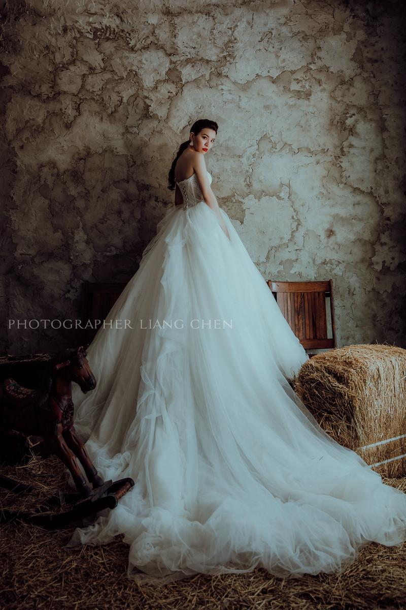 婚紗攝影,獨立婚紗,肖象婚紗,自助婚紗,婚攝良大,復古時尚婚紗,影像創作,2018自助婚紗精選,婚紗工作室