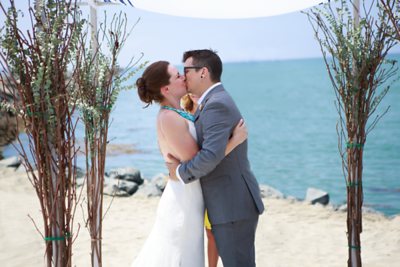 First_Kiss_Becky_and_Aaron_01