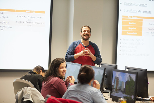 2018 UWL Fall Psychology Faculty Teaching Alessandro Quartiroli