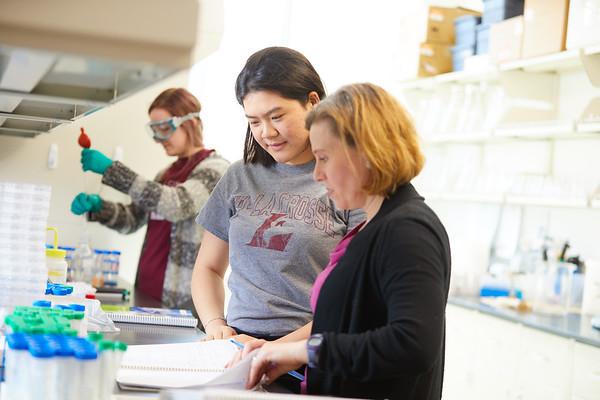 2019 UWL Spring Nadia Carmosini Research Chemistry 0056