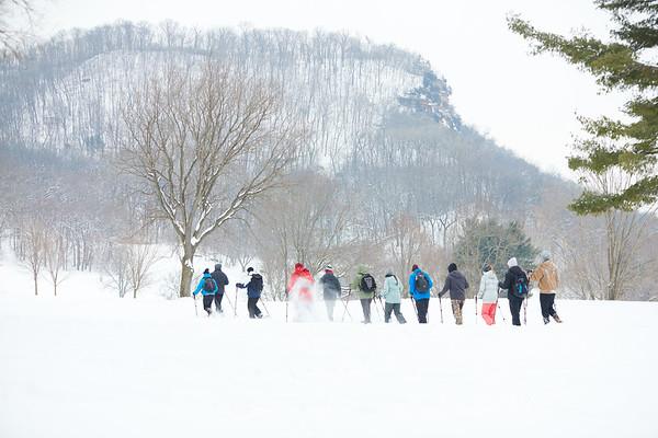 2019 UWL Spring Snowshoeing Class 0020