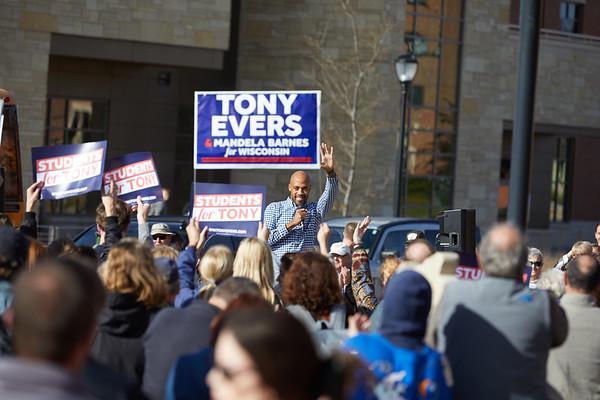 2018 UWL Tony Evers Campaign Governor 0016