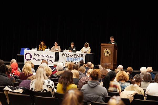 2019 UWL Spring International Womens Banquet 0029