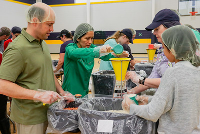 Volunteers Pack In for Rise Against Hunger