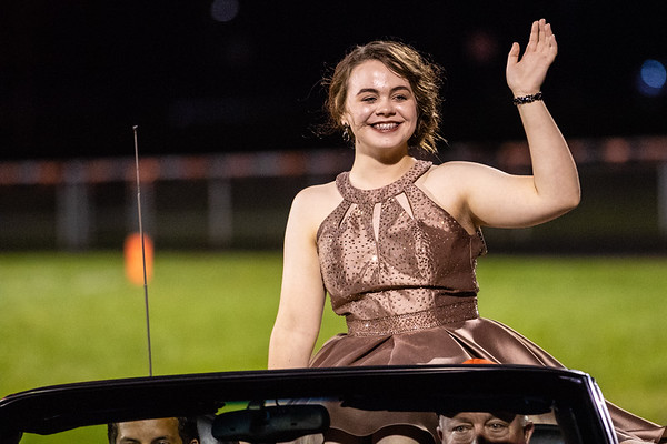 2018_10_5_Football_Homecoming-11